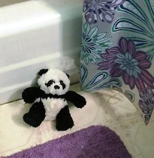 panda-by-tub