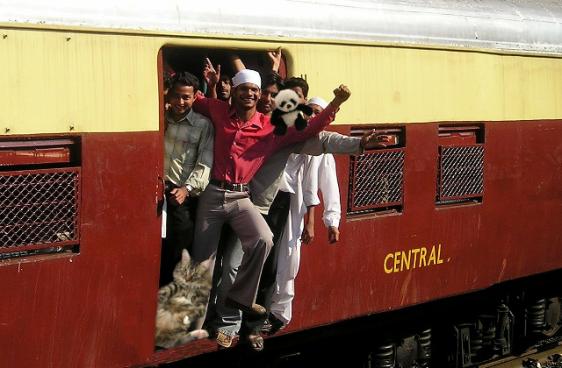 crowded train2